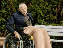 Geschützt, aber einsam? Pflegebedürftige und Pflegende in der Corona-Pandemie